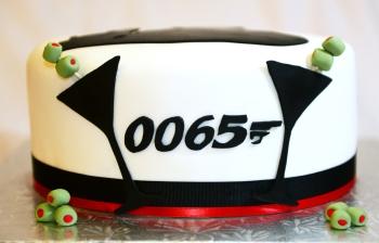 Devant du gâteau James Bond