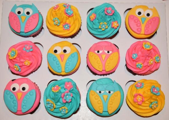 Cupcakes hiboux et fleurs