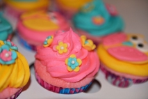 Cupcake rose avec fleurs