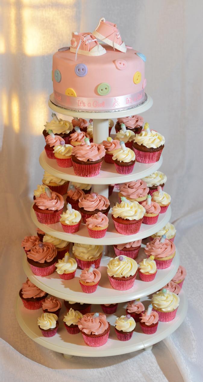 Gâteau et tour de cupcakes pour un shower de bébé  Créations ...