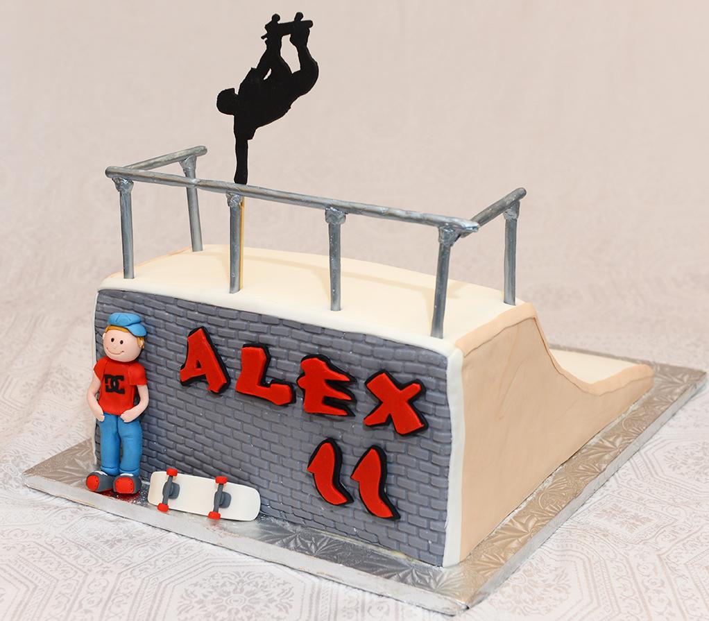 g teau skateboard cr ations christine. Black Bedroom Furniture Sets. Home Design Ideas